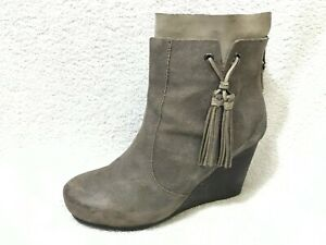 OTBT VAGARY IN DUST GREY ANKLE BOOTS, 7.5