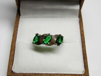Vintage Beautiful Ring With GREEN Stones Sterling Silver 925 Size 8 Jewelry