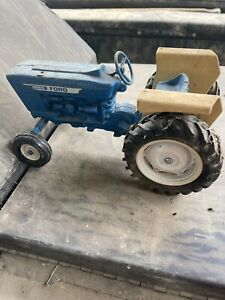 Vintage Ford 4600 Toy Tractor Ertl Blue Made In USA 1:16 Scale