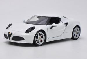 Welly 1:24 Alfa Romeo 4C White Diecast Model Racing Car New in Box