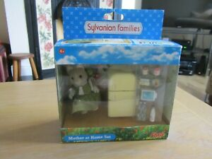 SYLVANIAN FAMILIES MOTHER AT HOME SET COMPLETE BOXED