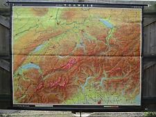 Fantastique vintage pull down géographique école carte de la suisse alpes