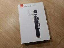 YI 4K Action Kamera weiß mit Display Zubehörpaket Selfie Stick BT Fernsteuerung