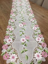 Elegant Pink Daisy Embroidered Table Runner Scalloped Floral Gerber Cutout Linen
