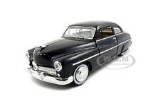 1949 MERCURY BLACK 1/24 DIECAST MODEL CAR BY MOTORMAX 73225