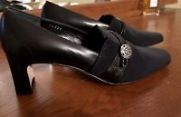NWT Brighton Quincy Black Made in Italy Heels 6M Silver Logo Pumps Womens