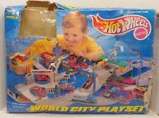 1997 Mattel Hot Wheels WORLD CITY PLAYSET 65855  Ford Dealer Police McD's & MORE