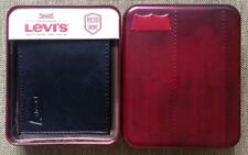 LEVI'S MENS WALLET. 100% AUTH. BRAND NEW IN BOX.