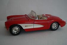 Bburago BURAGO voiture miniature 1:18 CHEVROLET CORVETTE 1957