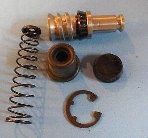 Front Brake master cylinder kit Suzuki  GSXR600 SV650 GSXR750 GSXR1100 GS1150