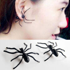 2x Black Widow Spider Illusion Earrings Set Pair Animal Bite Jewelry Joke Gothic