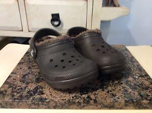 Crocs Kids Classic Fuzz Lined Clog Sz C10 Brown Color