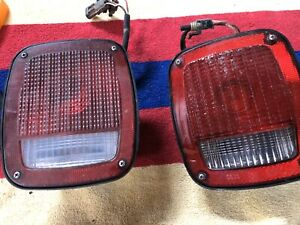 HUMMER H1AM General Pair of Civilian Taillights Tail Lights 92-06 HMMWV M998