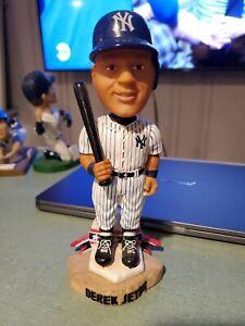 2002 Forever Collectibles Derek Jeter Legends of The Diamond Bobblehead Yankees