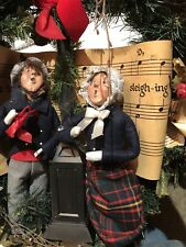 byers choice Carolers Christmas Wreath Man And Woman W Lamp 1988