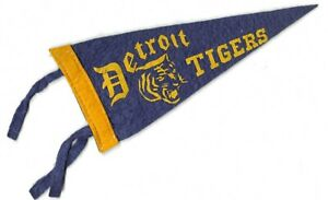 Vintage 1930s 1940s DETROIT TIGERS Mini Felt Baseball PENNANT FLAG