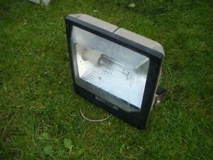 External Floodlight Son Star SON-T 150 Watt SON complete with lamp