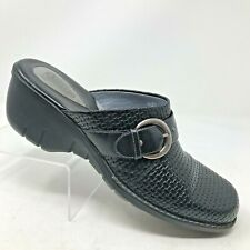 Clarks Artisan Collection Womens 10M Black Leather Basket Weave Embossed Mules