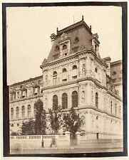 Paris, Hôtel de Ville. Pavillon sud est sur le quai  Vintage albumen print. Ti
