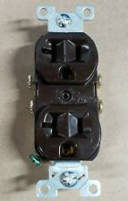 Cooper Electric Qty 30 Brown COMMERCIAL Duplex Outlet Receptacle 20A 125V NOM426