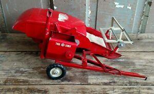 Vintage Tru Scale Pull Type Combine Harvester Metal Farm Toy USA All Original