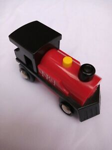 Brio Engine Train No1 wooden trainset with Sounds and illuminated coal to rear.