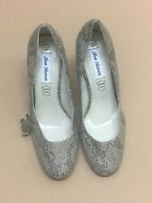 Shoes Heaven Ladies Shoes- Size 5/38