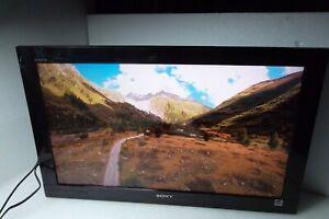 """Sony Bravia KDL-32BX420 32"""" HDTV LCD 1080p VGA HDMI USB RCA Dolby Digital PIP"""