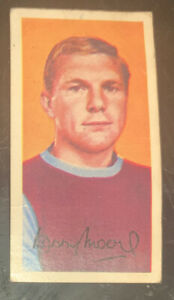 Bobby Moore Rookie Card West Ham United Barratts Famous Footballers A11 #41