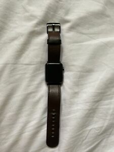 Apple Watch Series 3 42mm Aluminium With Leather Strap