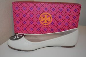 NIB $225+ Tory Burch Reva Off White Leather Logo Ballet Flat Shoe 9.5 Wide