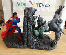 SUPERMAN VS DOOMSDAY STATUE BOOKENDS 1711/2030 DC COMICS