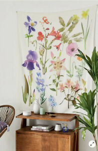 NEW Urban Outfitters UO Photoreal Botanical Floral Tapestry Wall Hanging