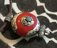 Tibetisches Schutzamulett, Tribal Anhänger mit Koralle & 925er Silber