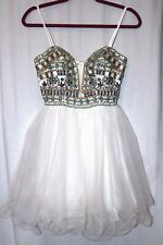 Dave and Johnny Tulle Beaded Formal Prom Homecoming White Dress Size 0