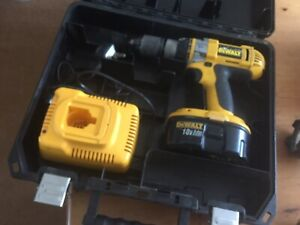 Dewalt DC988 3 speed hammer drill, 18v., Torch DW908, Charger Used