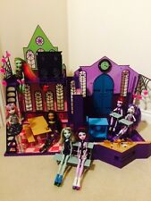 Monster High School Bundle Includes 1st Wave Dolls