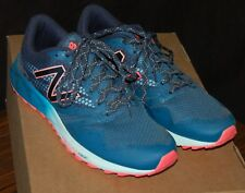 New Balance- EUC Size 11 Women's Castaway  690 V2 Trail Runner Navy and Hot Pink