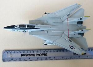 Italeri Grumman F-14A Tomcat US Navy. 1/72 scale built & painted model kit