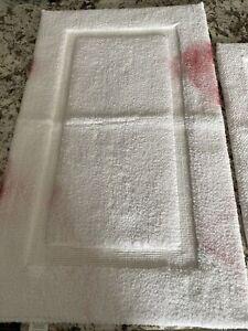 2 Wamsutta - Bath Rugs white 21x34