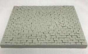 Cobblestone Street Sections (Build Your Own) 1/35th Scale Resin TW-35220