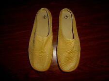 MIDWEST GLOVES & GEAR YELLOW SHOES WOMENS SIZE 7