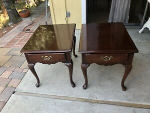 Set Of Two Thomasville Queen Anne  End/side Tables -night Stand