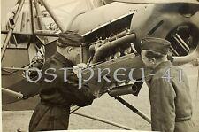 #415 Orig. Foto Flugzeug Mechaniker 2.WK Motor Fieseler Storch Fi-156 Kanzel