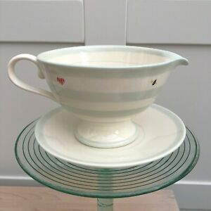 Susie Watson Designs Honey Bees Gravy Boat And Saucer Sauce Boat