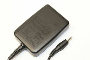 OEM HOME TRAVEL CHARGER pin (SCP-10ADT) FOR Sanyo 8200 7400 7300 5500 MORE