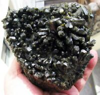 EPIDOTE FINE GREEN STRONG CRYSTALS on MATRIX from PERÚ..............MASTER PIECE