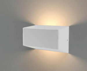 LED Indoor/Outdoor Wall Light-WL20 White 18W (W)150x(H)100x(D)92mm 3K IP54 3000K