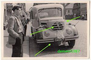 Foto Robur Garant 30 K mit Veedol Blechschild am Kühler Pin Up um 1955 ! (F574