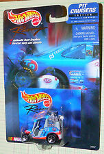 Hot Wheels Racing Pit Cruisers #43 STP John Andretti